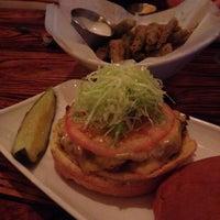Foto scattata a Stax Burger Bar da Mandi C. il 12/21/2014