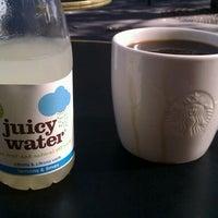 Photo prise au Starbucks Coffee par Andrey T. le10/1/2012