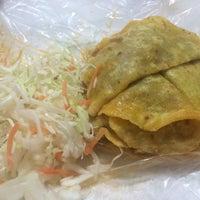 Foto tomada en Tacos Ana Original por Aly T. el 12/26/2015