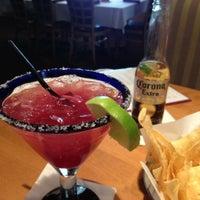 Снимок сделан в Cantina Laredo пользователем Jennifer T. 9/28/2012