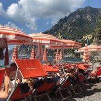 Foto tomada en Bagni d'Arienzo Beach Club por Alexandra N. el 9/4/2018