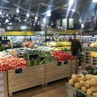 Das Foto wurde bei Whole Foods Market von Lissy C. am 11/20/2012 aufgenommen