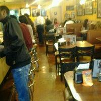 Foto scattata a Busy Bee Cafe da KRick ★. il 3/11/2013