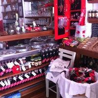 7/27/2013 tarihinde Liesbeth v.ziyaretçi tarafından Ada Cafe'de çekilen fotoğraf
