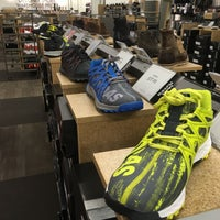 37cd03c8208f ... Photo taken at DSW Designer Shoe Warehouse by Arnaldo R. on 2 8  ...