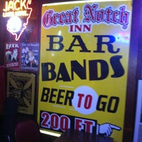Foto tomada en Great Notch Inn por Paul H. el 12/18/2012