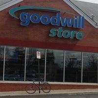 Foto diambil di Goodwill Store oleh Chris N. pada 3/26/2013