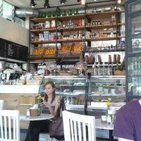 Photo prise au Caffé Toscano par Christian P. le2/28/2013