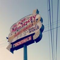 4/3/2013에 Yisha Z.님이 Melody Bar and Grill에서 찍은 사진