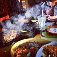 Foto tomada en Cancun's Restaurant por Trevor K. el 9/4/2014