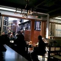 รูปภาพถ่ายที่ Central & Co โดย JEM T. เมื่อ 9/15/2012