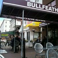 Das Foto wurde bei Bullfeathers von Robin M. am 2/27/2013 aufgenommen