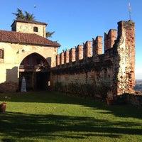 รูปภาพถ่ายที่ Castello di Moncrivello โดย Stefano S. เมื่อ 12/29/2013