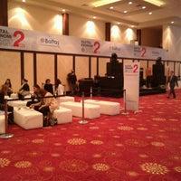 Foto diambil di Hilton Istanbul Convention & Exhibition Center oleh Ozgur Y. pada 11/9/2012