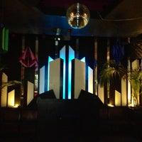 Foto tirada no(a) Bobby's Nightclub por Alex A. em 5/18/2013