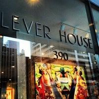 รูปภาพถ่ายที่ Casa Lever โดย Roxie M. เมื่อ 2/14/2013
