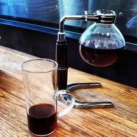 Снимок сделан в Blue Bottle Coffee пользователем Faisal 9/8/2013