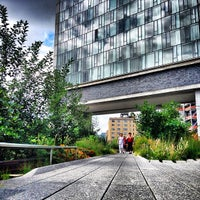 Das Foto wurde bei High Line von Doug T. am 7/4/2013 aufgenommen