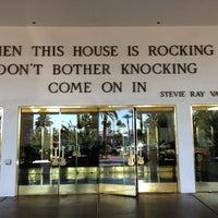 รูปภาพถ่ายที่ Hard Rock Hotel Las Vegas โดย Sergey B. เมื่อ 2/13/2013