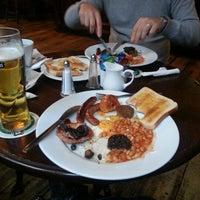 1/20/2013에 Caroline B.님이 Mulligans Irish Pub에서 찍은 사진