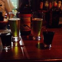 Das Foto wurde bei Sailors Pub von Rafaela C. am 4/11/2015 aufgenommen