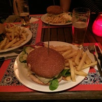 Foto scattata a Cafe de Schutter da Riemer P. il 2/7/2015