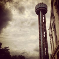 Photo prise au Reunion Tower par Cecil D. le5/25/2013
