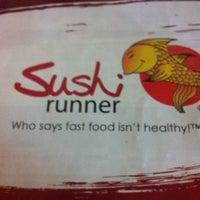 Foto tomada en Sushi Runner por Gee D. el 7/27/2013