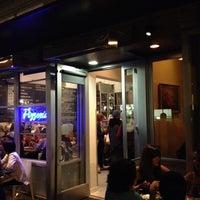 Foto scattata a Pizzeria Delfina da Jason P. il 10/1/2012