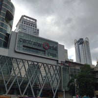 Photo prise au centralwOrld par Jiro Y. le7/14/2013