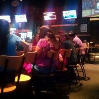 Foto tomada en Buffalo Wild Wings por Russell A. el 12/16/2012