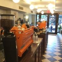 Photo prise au Cafe Grumpy par Built F. le6/22/2014