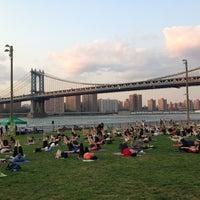 8/20/2013 tarihinde Mauricio G.ziyaretçi tarafından Brooklyn Bridge Park'de çekilen fotoğraf