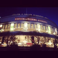 Das Foto wurde bei Louise M. Davies Symphony Hall von Karlo Andrei A. am 10/21/2012 aufgenommen