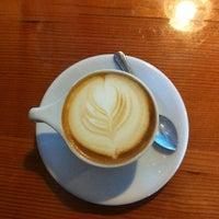 Снимок сделан в Water Avenue Coffee Company пользователем Daniel O. 7/7/2013