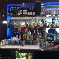 Photo prise au Adriano's Bar & Café par Martin G. le4/27/2013