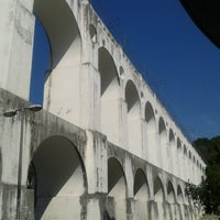 Das Foto wurde bei Arcos da Lapa von Vitor M. am 7/19/2013 aufgenommen