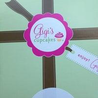 Снимок сделан в Gigi's Cupcakes пользователем Chelsea W. 10/11/2012