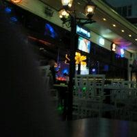 Photo prise au M Pub & Lounge par Resul D. le4/26/2013
