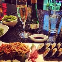Снимок сделан в Sushi O Bistro пользователем Holly H. 10/21/2012