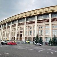 Luzhniki, metro istasyonu Sportivnaya 73
