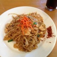 Снимок сделан в Tuptim Thai Cuisine пользователем Tina H. 6/4/2013