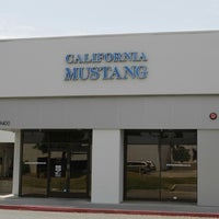 12/12/2013 tarihinde David B.ziyaretçi tarafından California Mustang Parts and Accessories'de çekilen fotoğraf