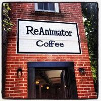 Foto scattata a ReAnimator Coffee da Trenton China R. il 7/26/2013
