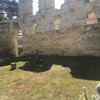 Photo prise au Abbaye de Jumièges par Yann V. le8/5/2017
