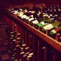 รูปภาพถ่ายที่ Bacchanal Wine โดย Liz D. เมื่อ 11/27/2012
