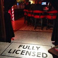 Photo prise au The Misfit Restaurant + Bar par Steven S. le11/30/2012