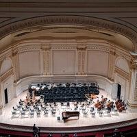 Foto scattata a Stern Auditorium / Perelman Stage at Carnegie Hall da Paola R. il 11/1/2018