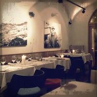 Снимок сделан в Restaurant Le Dome пользователем Дэнис Д. 2/27/2013