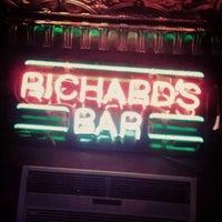 12/7/2012 tarihinde Jonathan B.ziyaretçi tarafından Richard's Bar'de çekilen fotoğraf